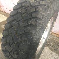Продам грязевую резину LT265/75R16 в сборе с японскими дисками.