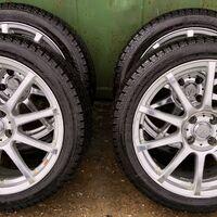 Продам  комплект колес  215\45 R17