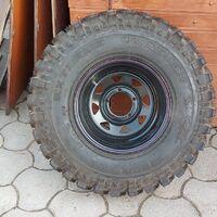 Продам абсолютно новые шины вместе с дисками SIMEX 32*10,5*15