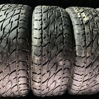 275/65R17 три летние шины Bridgestone