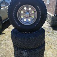 Продам комплект 33 колёс MT с резиной BFGoodrich
