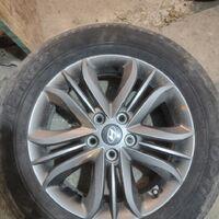 Продам комплект литых колес с шоссейкой 225/60 R17