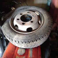 Продаются шины с дисками на грузовой фургон 6шт