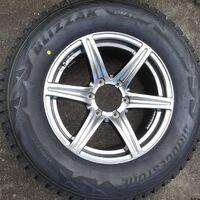 Новые диски с новыми зимними шинами Bridgestone для TLC Prado
