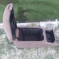 Бардачок между сиденьями Toyota Mark Ii GX115 (б/у)