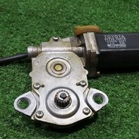 Моторчик люка Toyota Hilux Surf LN130 2LTE 1992 (б/у)