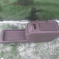 Бардачок между сиденьями Toyota Harrier MCU15 (б/у)