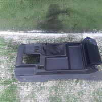 Бардачок между сиденьями Toyota Land Cruiser Prado KZJ90 (б/у)