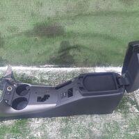 Бардачок между сиденьями Toyota Rav4 ACA31 (б/у)