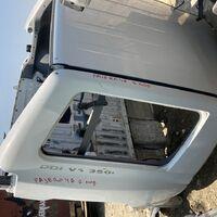 задняя половинка  заднее крыло задняя часть Pajero 46 2ая модель