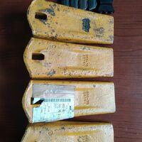 Оригинальные зубья ковша экскаватора Komatsu 20x-7023161