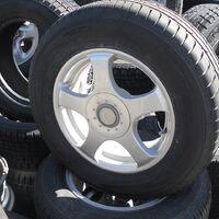 продам колеса с летней резиной на 15 с териуса  205/70R15