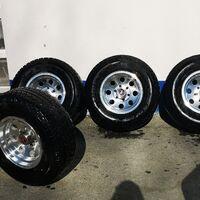 Продам комплект колёс на красивом литье. Стояли на лифтованной делике.