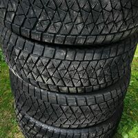 Bridgestone Blizzak DM-V2 285/60R18