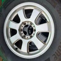 Только диски R17 фирмы Bridgestone NR280, из Японии. Без пробега по РФ