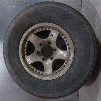 265/70/16 Bridgestone Blizzak DM-V2