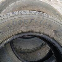 Продам  шины 4шт в отличном состоянии без порезов и гриж.