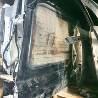 Дверь багажника верхняя со спойлером Land Cruiser HDJ81