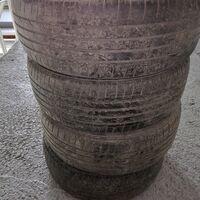 Продам шины Bridgestone 225/55R18 БУ