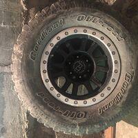Продаётся комплект колес