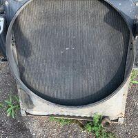 Продам радиатор на двс isuzu giga 10pe1