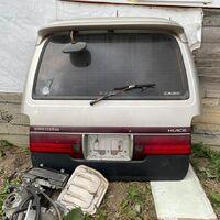 Продам 5ю дверь на Toyota hiace