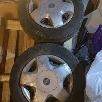 Комплект колес с колпаками