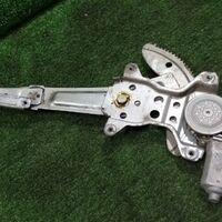 Стеклоподъёмный механизм Toyota Hiace KZH106 1KZTE 1996 перед. прав. (
