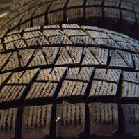 Продам комплект резины 5 шт Bridgestone износ 15,20% 265/70 R16,