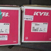 Продам передние стойки на а/м Toyota Rav-4