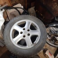 Отличный комплект колес на зиму. Бриджстоун шипы на дисках турер