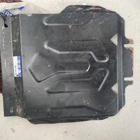 Продам металическую защиту двигателя QX80