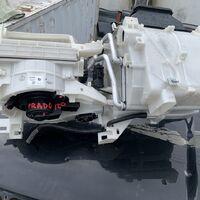 Корпус печки радиатор и моторчик печки 120-121-125 кузов