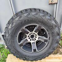 Продам колесо: Kumho Road Venture MT 35x12.5xR17 + KMC Rockstar 9JxR17