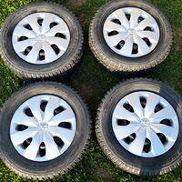 Продам штампованные диски с шипованной резиной Dunlop SP Winter Ice 07