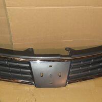 Решетка Nissan Tiida Latio C11 08-12 год