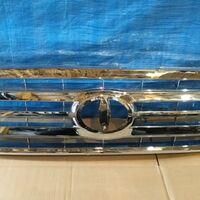 Решетка радиатора Toyota Land Cruiser 100 05-07 год полностью хром