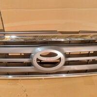 Решетка радиатора Toyota Land Cruiser 100 05-07 год