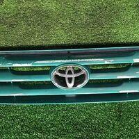 Решетка радиатора Toyota Ipsum SXM15 3SFE 1996 перед. (б/у)