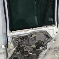Дверь задняя правая Mazda Demio на запчасти
