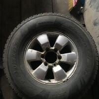 Комплект зимних шин с литыми дисками на джип
